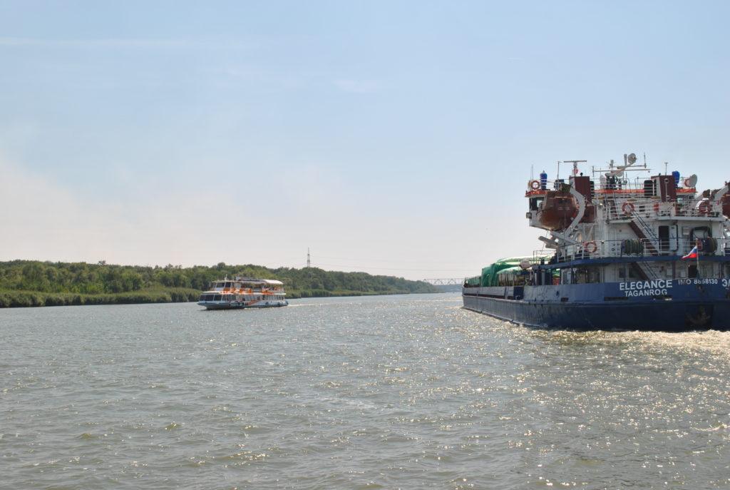 Правила по охране труда на морских судах и судах внутреннего водного транспорта